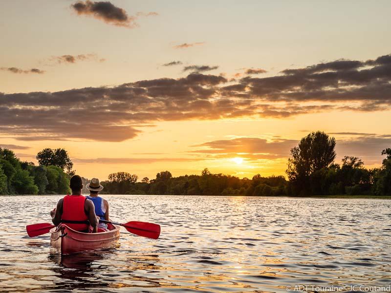 Location de Canoë-kayak – Chinon Loisirs Activités Nature à CHINON © ADT Touraine / Jean-Christophe Coutand