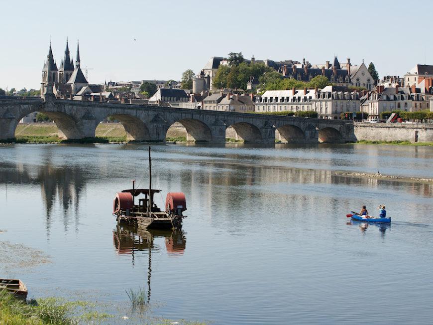 Loire Kayak «Canoë/Kayak, Stand Up Paddle» à VINEUIL © Loire-Kayak