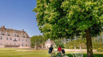 Devant le château de Champchevrier