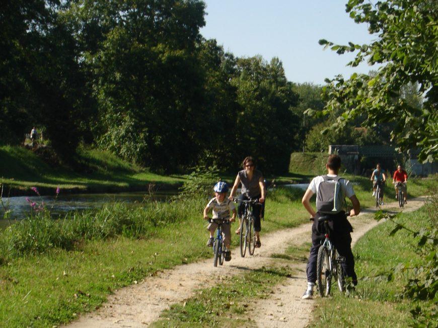 Laissez vous…guider à vélo ! à MONTARGIS © OT AME