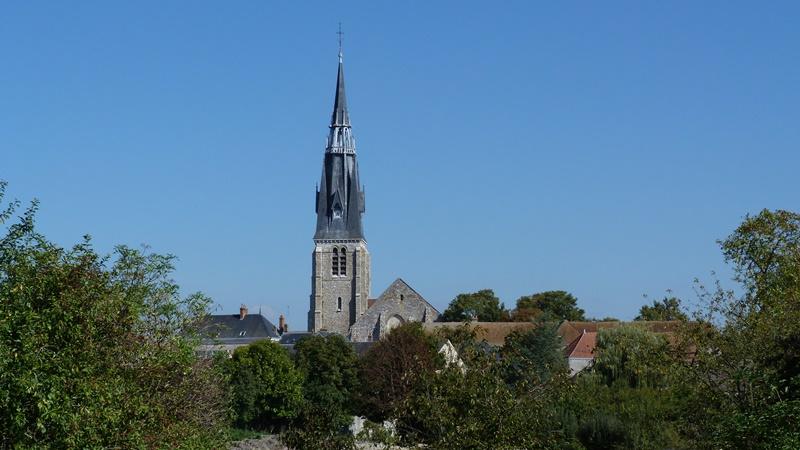 Eglise Saint-Martin et crypte Saint-Pipe à BEAUNE-LA-ROLANDE ©  Fabien Maret