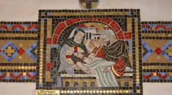 eglise-chemin de croix-jesus mis au tombeau