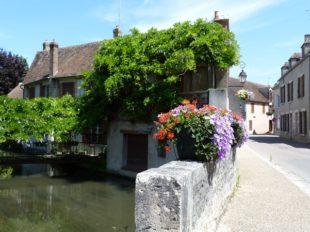 Visite guidée de la Petite Cité de Caractère de Ferrières-en-Gâtinais à FERRIERES-EN-GATINAIS - 2  © ADRTL