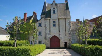 levieux-chateau-touraine-loire-ext-porte-credit-levieuxchateau