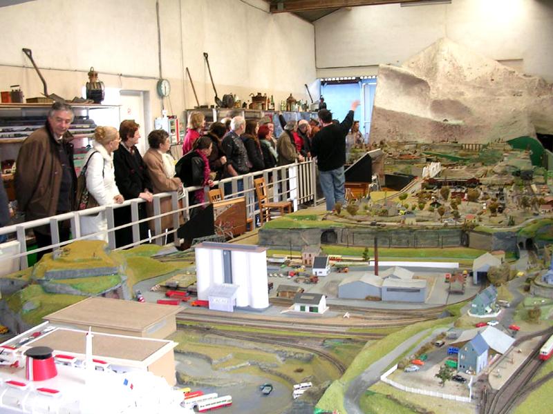 La Petite France – Musée animé de Trains Miniatures à SAVIGNE-SUR-LATHAN ©  W. Viemont